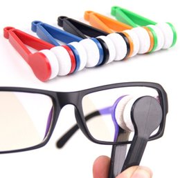 Wholesale New Multifunction Carrying Portable Eyeglasses Wipe Miniature Lens Cleaner Glasses Brush Eyeglasses Accessories Vision Care ZJ F01