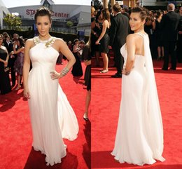 Wholesale Famous Kim Kardashian celebrity dresses beaded halter neck evening gowns backless prom dress floor length chiffon sheath Red carpet dress