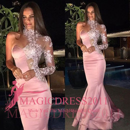 Miss Univers robes de soirée rose Mermaid Major perlées 2016 col haut d'une épaule formelle Celebrity Robes de fête Robes de bal