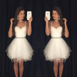 Wholesale White Graduation Dresses Sweetheart Spaghetti Straps Beaded Short Homecoming Gowns Mini Sexy Cocktail Dress Cheap