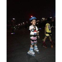 Wholesale parte inferior de la cadera acolchado pantalones de esquí para los niños juegos de patinaje que patina la culata de cadera pantalones cortos de protección fácil de poner encendido apagado
