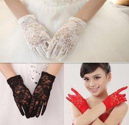 Wholesale 2016 Real Photo Simple Bridal Gloves Opera Party Gloves Wrist Length Full Finger Lace New Style