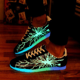 Discount led lit Quality LED Shoes Men Lightning Luminous Shoes Fluorescent Light Unisex Sneakers Light Shoes Leisure Flat Shoes Free Shipping