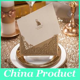 Découpage laser invitations de mariage avec des enveloppes