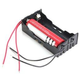 Venta caliente Negro plástico de 2 vías 2 Slots 18650 Estuche de almacenamiento cuadro titular con 4 cables Cables de 2x 18650
