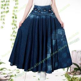 Wholesale Tissu bleu foncé Bohemia Novel Automne coton Casual Mode plissé Denim Maxi jupe bleu marine Plaid Jeans Vintage Womens jupe longue