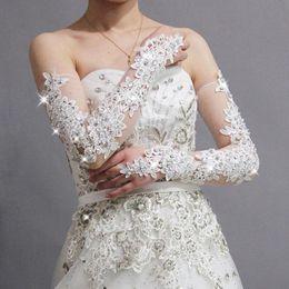 Wholesale Luvas De Festa New Gorgeous Fingerless Lace Bridal Gloves Wedding Gloves Wedding Accessories