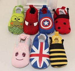Wholesale Superhéroe Capitán América spiderman Baby zapatos Minion Gran héroe animal Impreso Zapatos niño niño niña Cartoon Soft Sole zapatos regalo