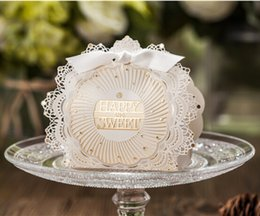 Wholesale New Red White Lace Wedding Candy Boxes Party Gift Box Wedding Supplies Chocolate Favor Holders With Ribbons cw