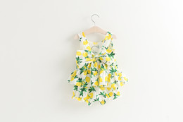 Wholesale Summer girls lemon outfits latest design popular baby girl s clothing set vest tank tops shorts cotton kids suits with big bow L