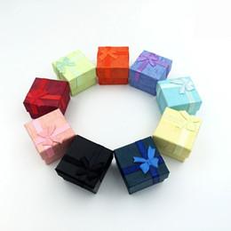 Vente en gros 50 pcs / lot carré anneau boucle d'oreille collier boîte à bijoux cadeau cadeau cas titulaire W334