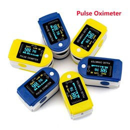 Wholesale New OLed Fingertip Pulse Oximeter With Audio Alarm Pulse Oximeter Sound CE FDA Monitor Home Medical Supplies Care DHL Free