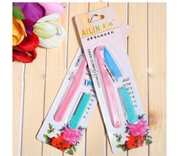 Wholesale Japan Beauty Makeup Scraping Eyebrow Knife Incidental Can Replace Blade Eyebrow Trimmer Safe And Practical Delicate And Portable Face Ears