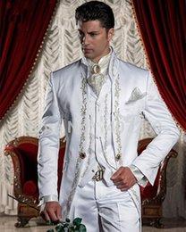 Gros-Custom Made broderie blanche Groom Smokings pied de col Groomsmen Costumes Costumes de mariage d'ivoire hommes de mode (veste + pantalon + veste + Cravate)