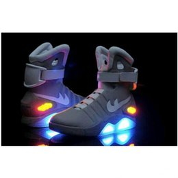 Wholesale Nouveau Air Mag Men Limited Edition Retour à l avenir Top McFly Sneakers Mags bottines avec LED Lights Charging chaussures de mode à l extérieur