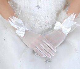 Wholesale Hot Sale Lace Bow Applique Wedding Veil Hollow Long Sheer Wrist Length Bridal Glove Wedding Accessoreis