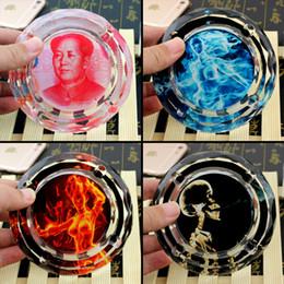 Wholesale Atacado Constantine dólares RMB Chama Sexy Girls Crânio presente criativo de fumar para Homem Mulher Namorado centímetros Rodada Cristal Mini Cinzeiro