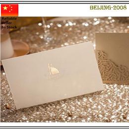 Горячий продавать Лазерная резка свадебные приглашения Золотое сердце Hollow Приглашения карты для Партии питания Free Printing