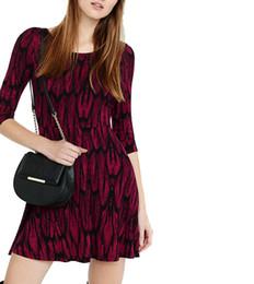Wholesale La cintura europea de la manera en la impresión de la manga atractiva revela detrás el mini vestido de bola del vestido Bodycon viste a la mujer para las señoras de la ropa de las mujeres