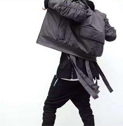 Wholesale Moda para hombre de la calle Hi MA1 estilo militar chaqueta de bombardero de hip hop con la cinta Cinturón Negro para hombre Slim Fit Hip Hop de la chaqueta del equipo universitario de béisbol