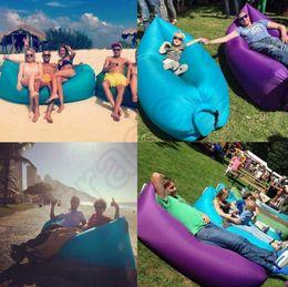 Cama de dormir inflable inflable al aire libre del sofá del aire del barco del aire del barco del saco de dormir del aire de la cama que acampa inflable rápido 30pcs 11 colores OOA450
