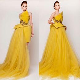 Wholesale Amarillo simple corto Prom Dresses Vestido de Ocasión Especial con falda de Tulle Ruffled Ladies Party Gown Strapless Custom Made