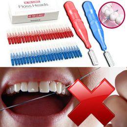 50pcs / caja de dientes Jefe uso del hilo dental Higiene Bucodental plástico cepillo interdental palillo de dientes palillo de dientes Cepillo de dientes de limpieza