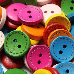 Wholesale 100 deux trous ronde boutons en bois faits à la main en bois bricolage mixte vêtements colorés boutons Zh