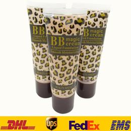 Wholesale 3 Type Leopard lisse hydratant Liquid Foundation femmes dames Maquillage Shades BB crème magique ml HH C01