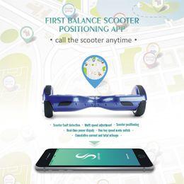 NUEVO Diseño APP CONTROL auto-equilibrio Scooters 6.5 pulgadas Bluetooth Music Hoverboard 2 rueda Electric Standing Scooter con parachoques tira