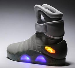 Wholesale Boost Sneakers Chaussures Noires Chaussures Grises Super Perfect High Haute qualité dans la lumière de nuit LED High boots