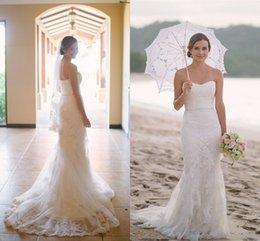 Wholesale 2016 verano de la playa vestidos de novia de la vaina Novia Apliques cristal de encaje correa trasera del botón tribunal tren vestidos de novia de la sirena barato formales