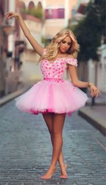 Wholesale Pink Homecoming Graduation Dresses Flower Off shoulder Lace up Short Mini Length Sweet Party dresses Cheap under