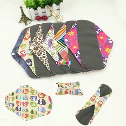 Wholesale Fashion Design Washable Sanitary Cloth Pads with Printed Patterns Bamboo Charcoal Mestrual Pads for Women Sanitary Napkin Liner