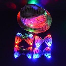 Wholesale Negro rojo del casquillo de luz LED del centelleo de lentejuelas Jazz sombrero Cuello Pajarita de plata del oro atractivo de la mujer de los hombres adultos