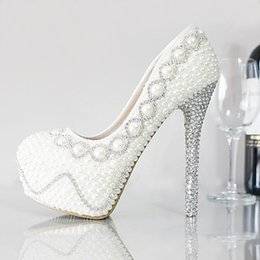 Wholesale Luxurious Pearls Crystals Wedding Shoes New cm High Heel Bridal Shoes Party Prom Evening Women Shoes