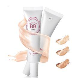Wholesale Gros Marque Maquillaje BB Cream couleurs naturelles Brighten Hydratant Fondation Visage Premier Base de Whiteing CC Crème de maquillage coréenne