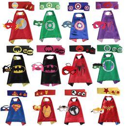 Oro Manos Superhero Cabo Superhéroe Cabo Con Máscara Para Niños Partido 1 set = 1cape + 1mask + 1belt + 1pair wristband en stock