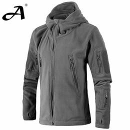 Wholesale Los hombres al aire libre del invierno chaqueta de la chaqueta militar estilo táctico los hombres del ejército de los Estados Unidos con capucha de lana caliente outwear chaqueta térmica softshell