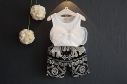 Wholesale 2016 Korean Summer girls cute screw thread big bowknot sleeveless vest t Shirt Tops shorts pants piece suit children bow clothing sets