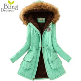 Wholesale Gros Thickening Réchauffez d hiver col de fourrure Manteaux Manteaux de Taille Long Down Parka plus pour dames Parka Hoodies Parkas