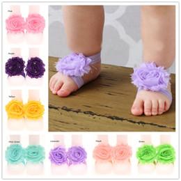 Wholesale Zapatos al por mayor Pairs Pies del bebé de la gasa de la flor de flor elegante sandalias descalzas del bebé recién nacido calcetines descalzo sandalias descalzas baratos
