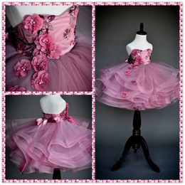 Wholesale Vestidos de época niveles volantes muchachas de flor para las bodas del amor de las lentejuelas de la niña del desfile de los vestidos sin espalda vestido de la longitud del piso de la comunión