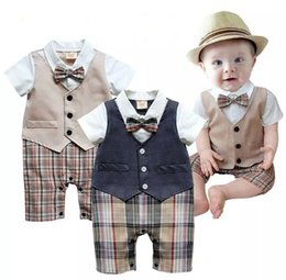 Wholesale gentleman baby new style short sleeve wedding and party baby boys clothes cut rompers new born clothes