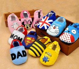 Wholesale Bebé recién nacido el hombre araña del capitán América de los vengan zapatos El niño grande del héroe del secuiente imprimió los zapatos suaves de la historieta del muchacho de la muchacha del niño de los zapatos