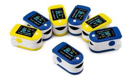 2016 la nueva llegada FDA / CE demostró los colores de la exhibición SIX de OLED del monitor del oxímetro SPO2 del pulso de la punta