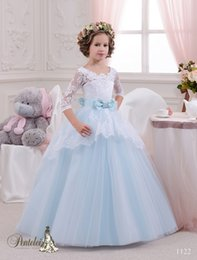 Beautiful Snow White Inspired Flower Girls Dresses With Long Sleeves And Bow Sash Light Sky Blue Kids Birthday Gowns Custom Made Wedding