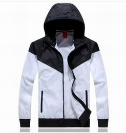 Wholesale Jogging Suits Sport NWT Woman Sport Jacket Hooded Windbreaker Breathable and Warm BLK Large Sport Windbreaker