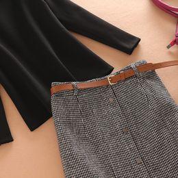 Outono Outono senhoras vestido casual Dois Piece Suit Sets Stand Collar T-shirt e saia Plaid impresso com Belt Dress Clothing