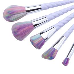 El cosmético del hilo de rosca del cepillo del eyeliner de la cara del unicornio 5pcs / set compone las herramientas planas del maquillaje del sistema de los cepillos